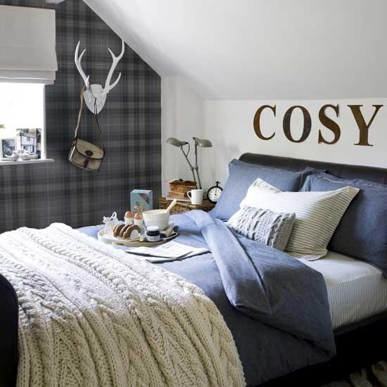 Cosy bedroom | Bedroom design | Plaid wallpaper ...