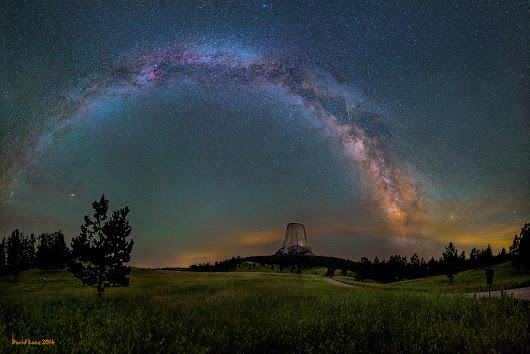 APOD: 2014 October 31 - Milky Way over Devils Tower