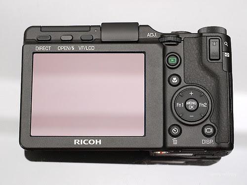 Ricoh_GXR_exterior_10