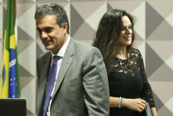 José Eduardo Cardozo, advogado de Dilma, e Janaína Pachoal, autora da denúncia. Foto: Marcelo Casal Jr/ABr