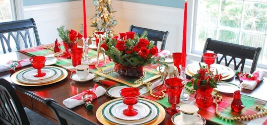 Checklist for Hosting Christmas | ApartmentGuide