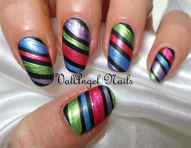 "Nail art ""Metallic Strips"" - Nail Art Gallery"