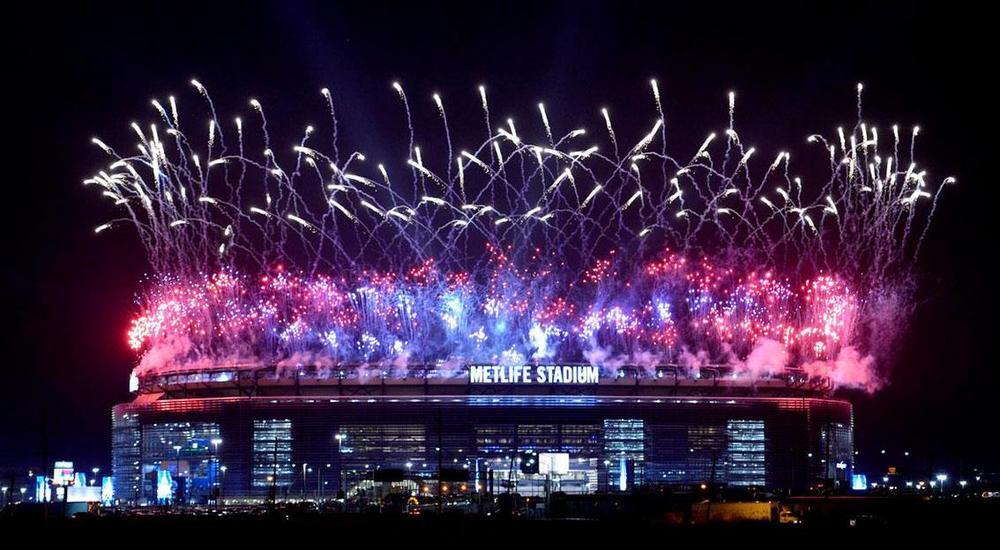 Znalezione obrazy dla zapytania wwe arena fireworks