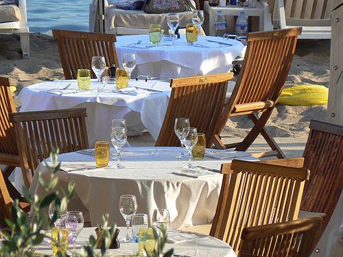 tables dressées.jpg