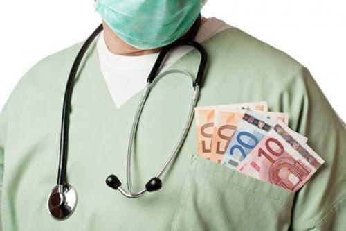 ζήτησαν-φακελάκια-11.000-ευρώ-για-μια-επέμβαση-στο-μάτι