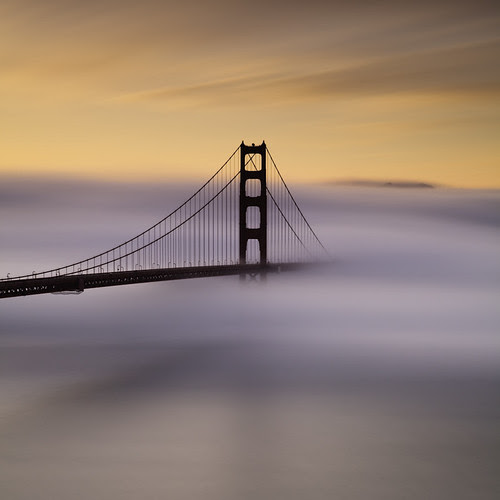 Painted Foggy Sunrise  At The Golden Gate por maxxsmart