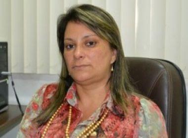 Nova prefeita de Barro Preto dá queixa na polícia contra ex-prefeito