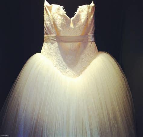 Kate Hudson's Bride Wars Vera Wang   dress   Pinterest