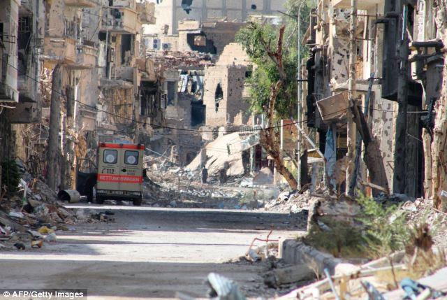 O que está esperando: Na cidade do leste da Síria de Deir Ezzor em 26 de agosto, as forças do governo foram acusados de abrir fogo contra os inspetores de armas da ONU em seu caminho para uma substância química suspeita de armas local arredores de Damasco