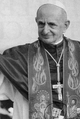 Pablo VI llevando el pectoral de efod