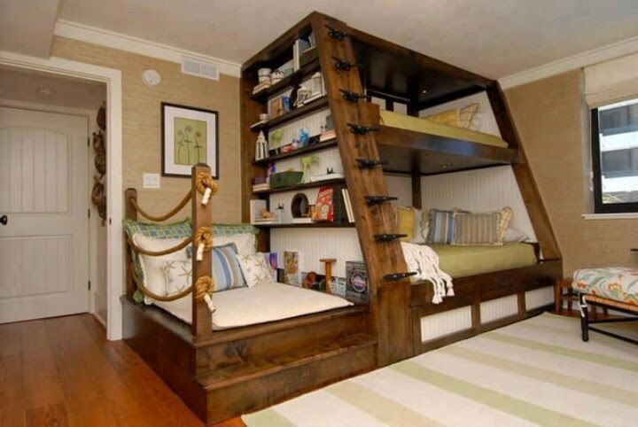 2 beds AND a reading nook!!  :D