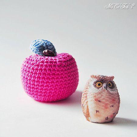 Pomme rose au crochet