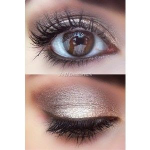 Light smoky eye!