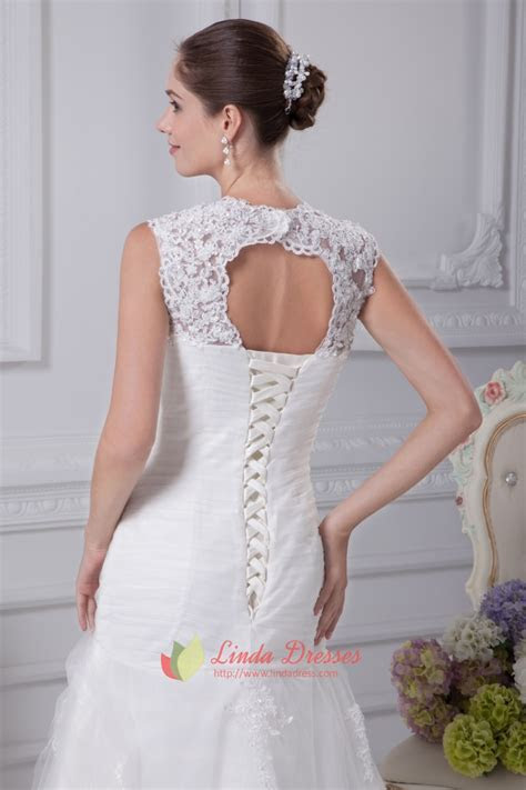Lace Wedding Dress With Cap Sleeves And Keyhole Back