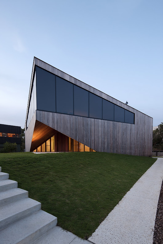 Aireys House | Leibal