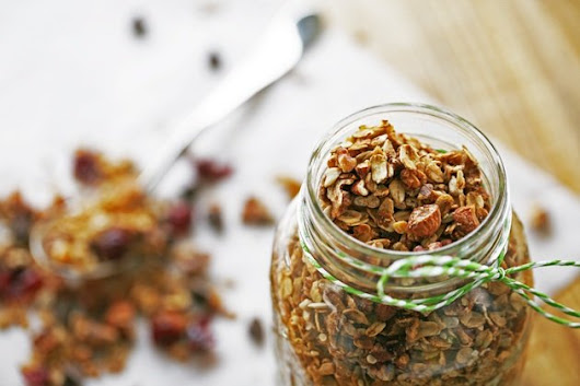 Easy and Healthy Granola Recipe - Lady Lee's Home