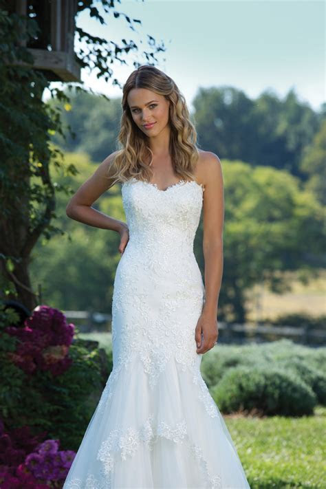 Most Popular Wedding Dress Styles 2017   Confetti.co.uk