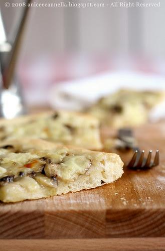 Focaccia champignons e fontina da te.