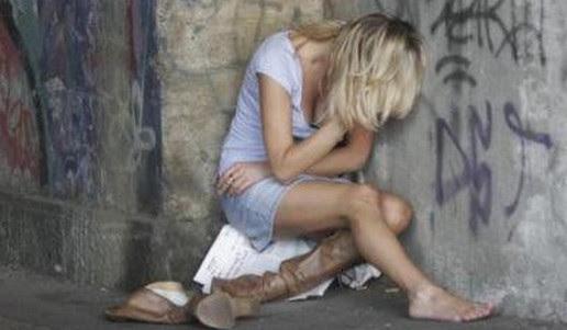 donna-violata-giù le-mani-dai-nostri-corpi