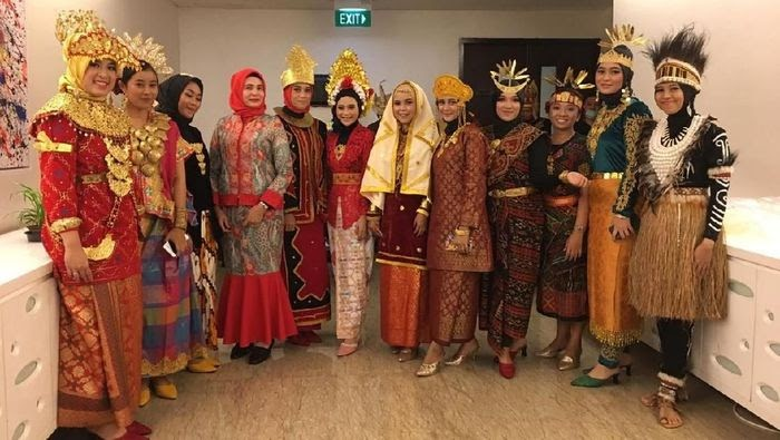 Nama Pakaian Adat Bali Hari Ini - Baju Adat Tradisional