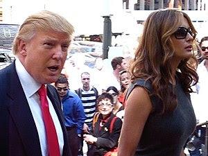 Donald Trump & Melania enter the Oscar De LA R...