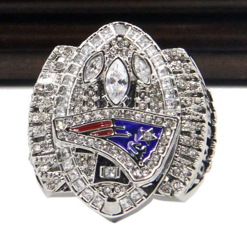 NFL 2004 Super Bowl XXXIX New England Patriots Championship Replica Ring With Plaque