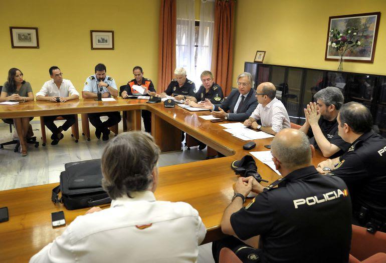 Imagen de la reunión de la Mesa de Seguridad de la Semana Santa de Jerez