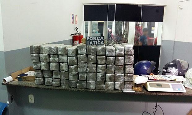 Droga apreendida foi levada para a Delegacia de Plantão da Zona Norte da cidade (Foto: Divulgação/Sesed)
