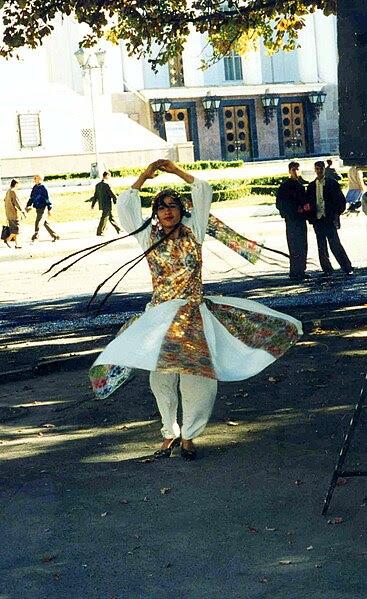 File:Twirling dancer, Tajikistan.jpg