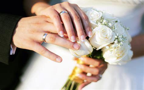 Hands Wedding Rings Bouquet Roses Hd Wallpaper 77841