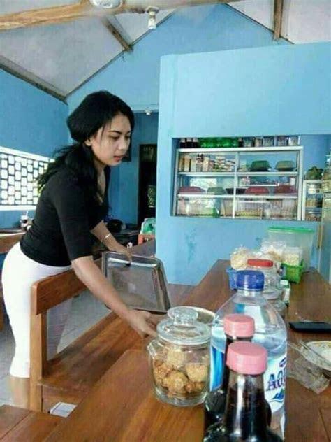 foto foto penjaga warung kopi cantik siapa