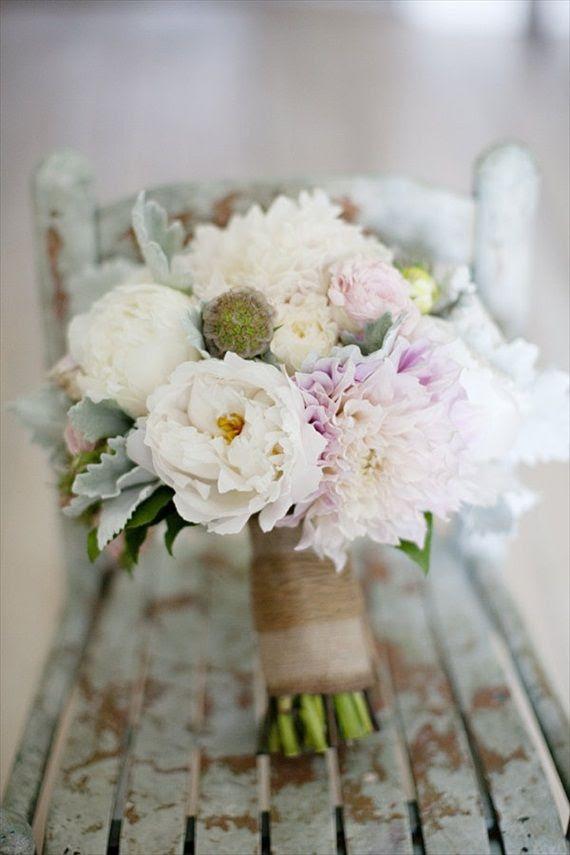 Wedding bouquet ideas add internet beside follower for Bouquet internet