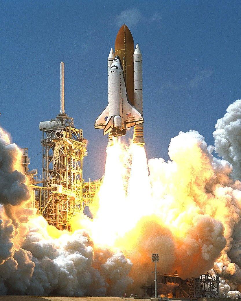 Apr19-2001-STS100liftoff