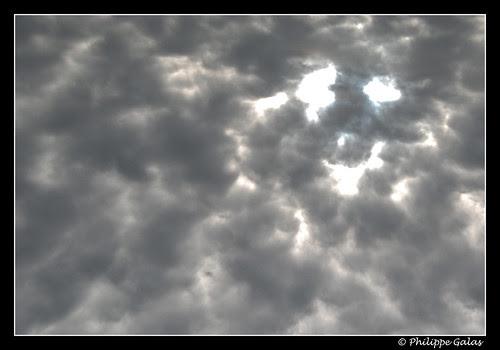 Sous le regard du nuage