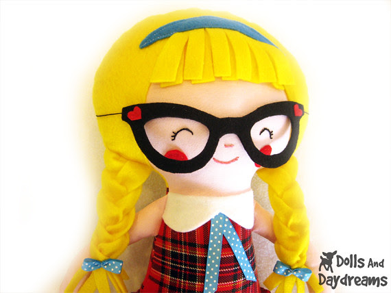 retro glasses doll pattern