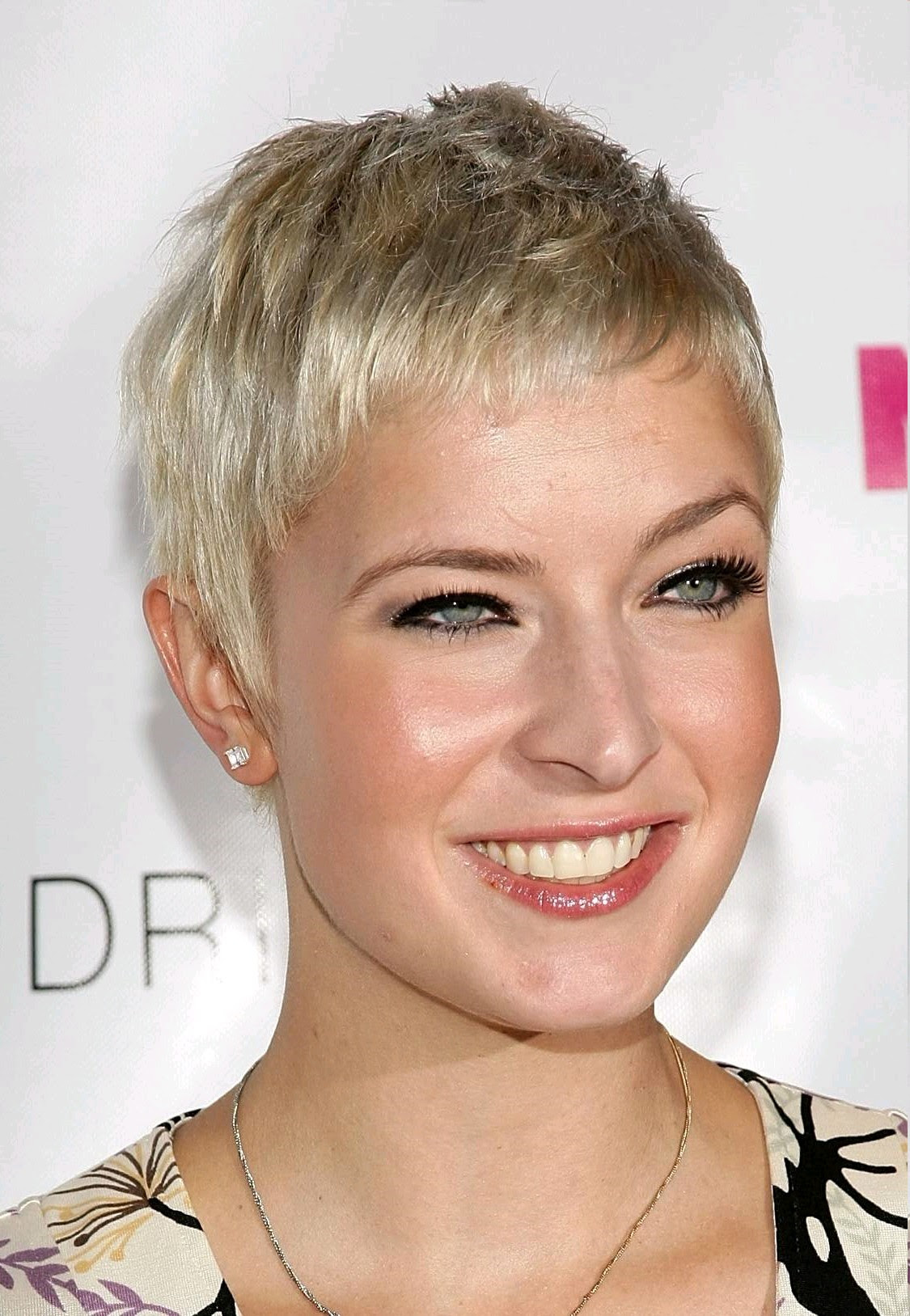Womens Short Choppy Hairstyles Short Hairstyles For Women And Man