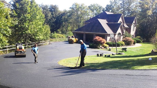 3 Tips for Paving a Solid Asphalt Driveway