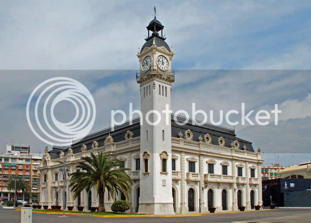 Puerto de Valencia. El edificio del reloj.