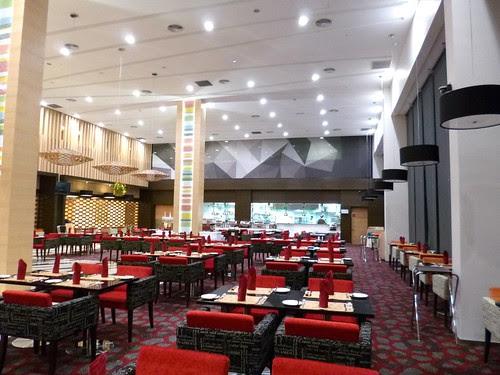Fuze Restaurant The Everly Hotel (6)