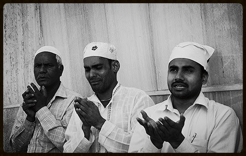 Jab Bura Waqt Hai Sar Pe Sawar by firoze shakir photographerno1