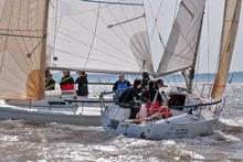 J/80s crossing- sailing in Warsash Spring Series