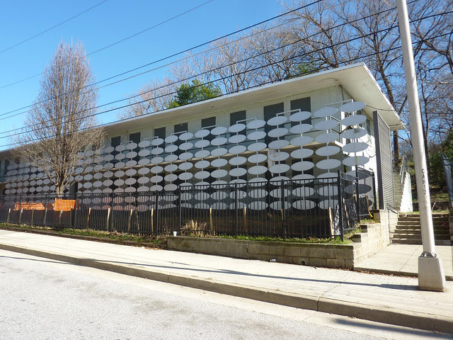 P1150871-2013-01-31--103-Fort-Street-Teardown-Modern-wall-with-ovals