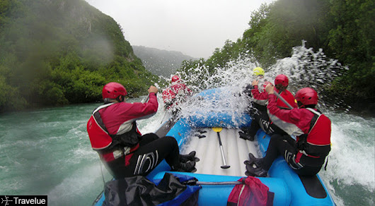 Rafting on Tara river, from Montenegro to Bosnia and Herzegovina