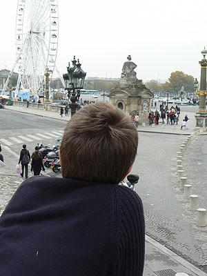 PAul le touriste à la Concorde.jpg