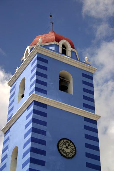 La simbólica Torre de la Parroquial Mayor de Sancti Spíritus. Serie Una ciudad testigo del tiempo. Foto: Daylén Vega