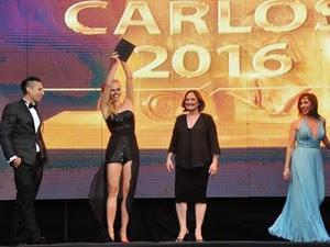 Louise Malucelli recebeu o prêmio de melhor bailarina de tango da temporada de verão de 2016; festival é realizado em Villa Carlos Paz, em Córdoba, na Argentina (Foto: Divulgação)