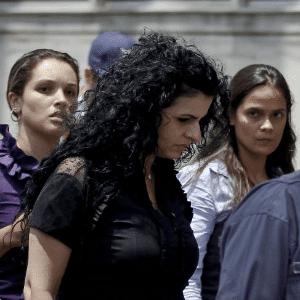 A advogada Ana Lúcia Assad deixa Fórum de Santo André sob vaias após sessão do julgamento de Lindemberg Alves