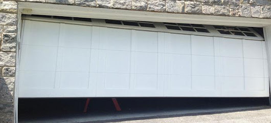 Garage Door Off Track Repair Spokane (509) 828-4918