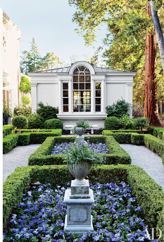 38 Beautifully Landscaped Home Gardens | Architectural Digest