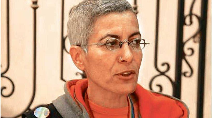 Πέθανε η ακτιβίστρια Ευαγγελία Βλάμη που είχε κάνει τον πρώτο γάμο ομοφυλοφίλων στην Τήλο